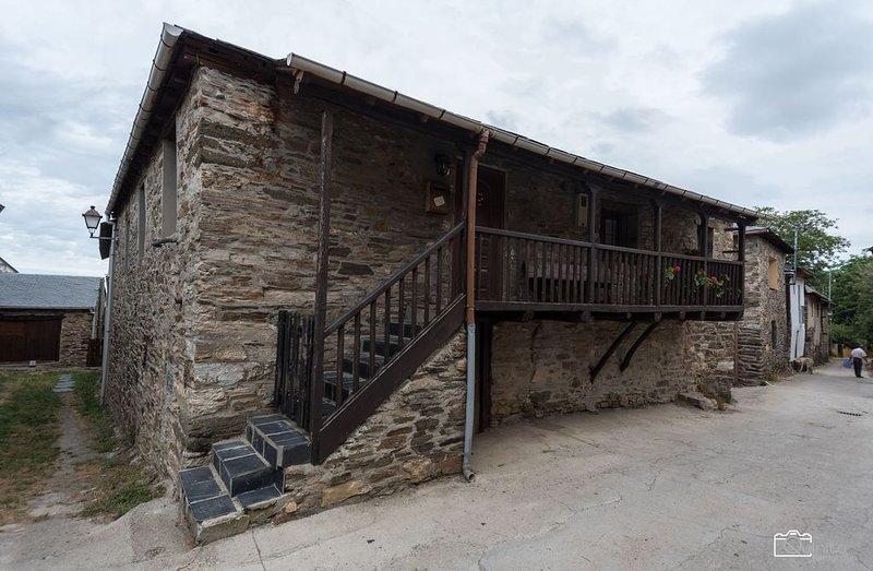 Casa de Abril 2 para 4 personas, vacation rental in Espinoso de Compludo