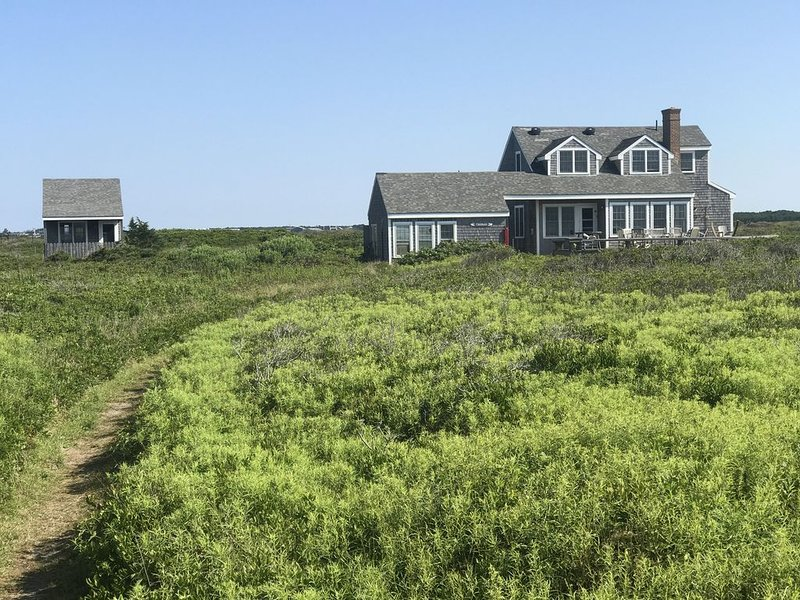 Lovely Oceanfront Cottage Plus 1BR Cabin on Beautiful, Pristine Beach, vacation rental in Siasconset