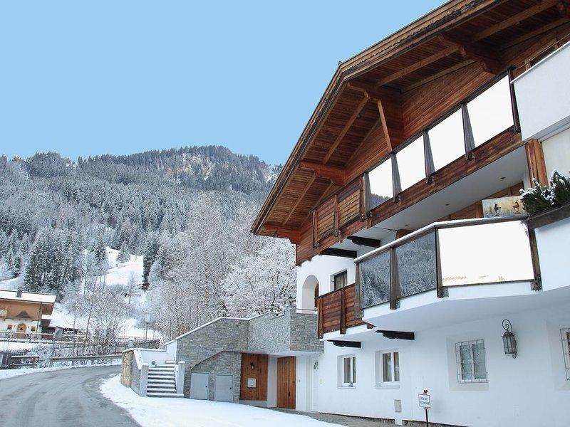 Spacious Apartment in Kitzbuhel near Ski Lift, vacation rental in Kitzbuhel