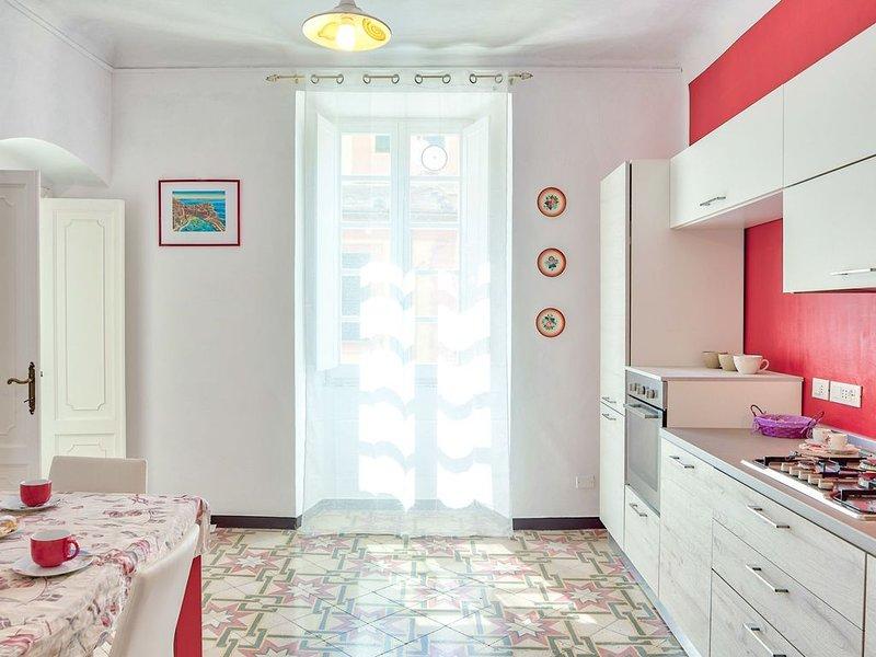 Via Dante Vacanze - grande appartamento per 4, a 200 metri dalla spiaggia, a Lev, casa vacanza a Levanto