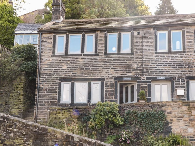 Bramble Cottage, HOLMFIRTH, vacation rental in Farnley Tyas