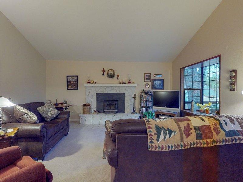 Cozy cottage near community amenities - shared pool, golf, tennis, beaches!, alquiler vacacional en Groveland