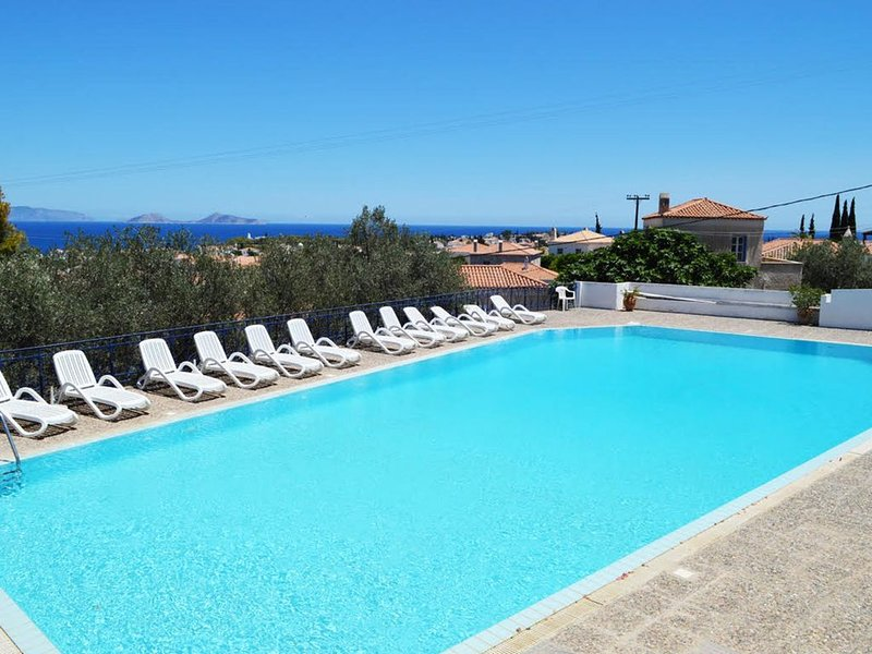 Beautiful island house with breathtaking view (***********), holiday rental in Spetses Town