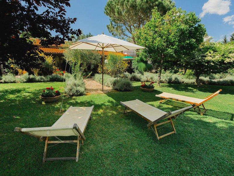 Luxurious Farmhouse in Grosseto with Jacuzzi, location de vacances à Vetulonia