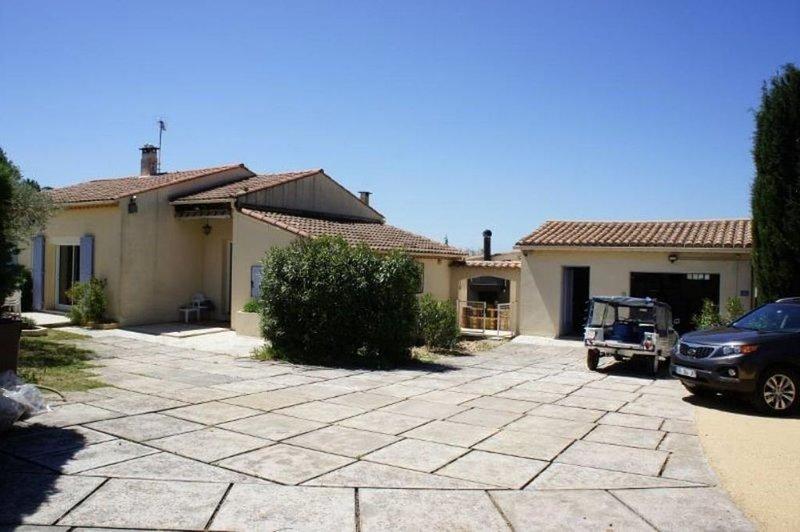 Saint Siffret: Maison avec jardin et piscine privée, casa vacanza a Argilliers