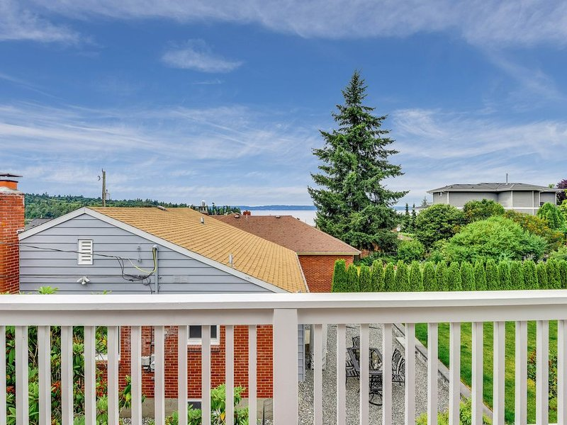 Seaview Ballard house w/foosball table & private balcony, vacation rental in Indianola