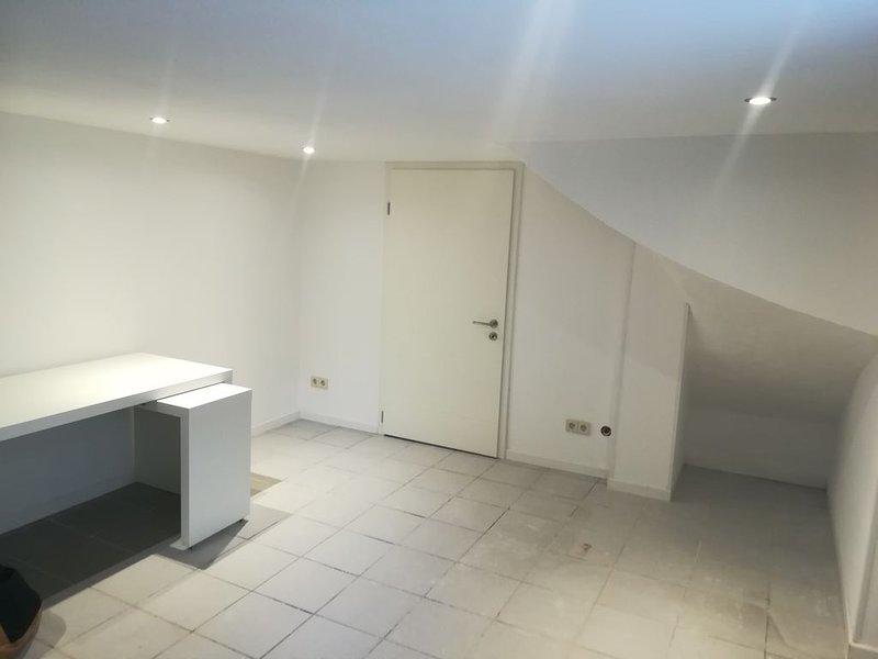 Nice flat close to Flagey, location de vacances à Ixelles