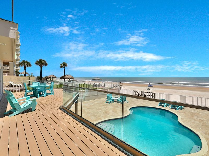Newly-renovated beach home w/ private pool, deck, balcony, gorgeous ocean views, holiday rental in Daytona Beach Shores
