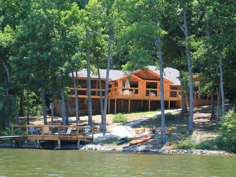 Dog-friendly, lakefront home in the woods w/ dock, private hot tub, holiday rental in Prosperity