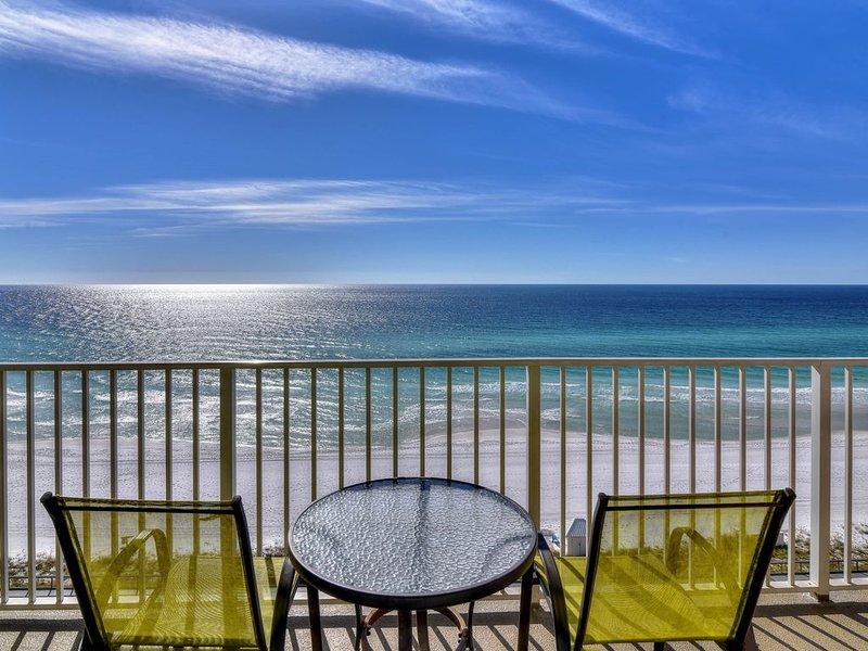 Gulf front getaway w/ a furnished balcony, shared pool, & resort amenities!, vacation rental in Miramar Beach