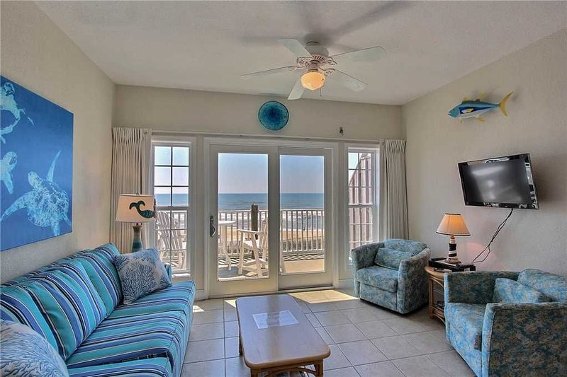 Top O Hatteras  OCEANFRONT Condo w/Elevator, Comm Pool, holiday rental in Hatteras