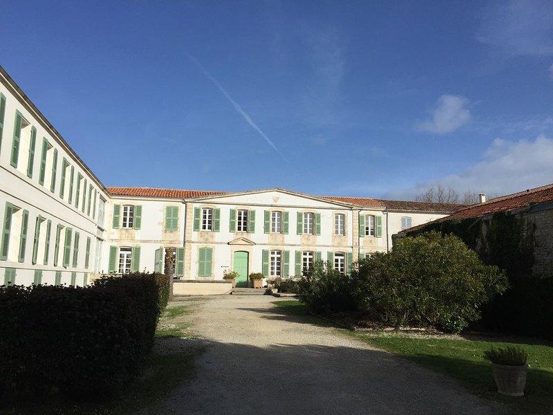 appartement 2 pièces dans résidence standing avec piscine, location de vacances à Saint-Martin-de-Ré