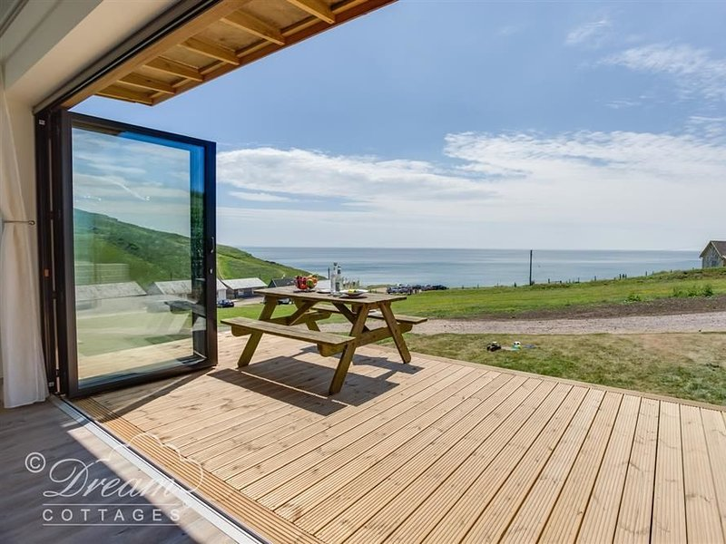 The Wave, Eype, vacation rental in Chideock