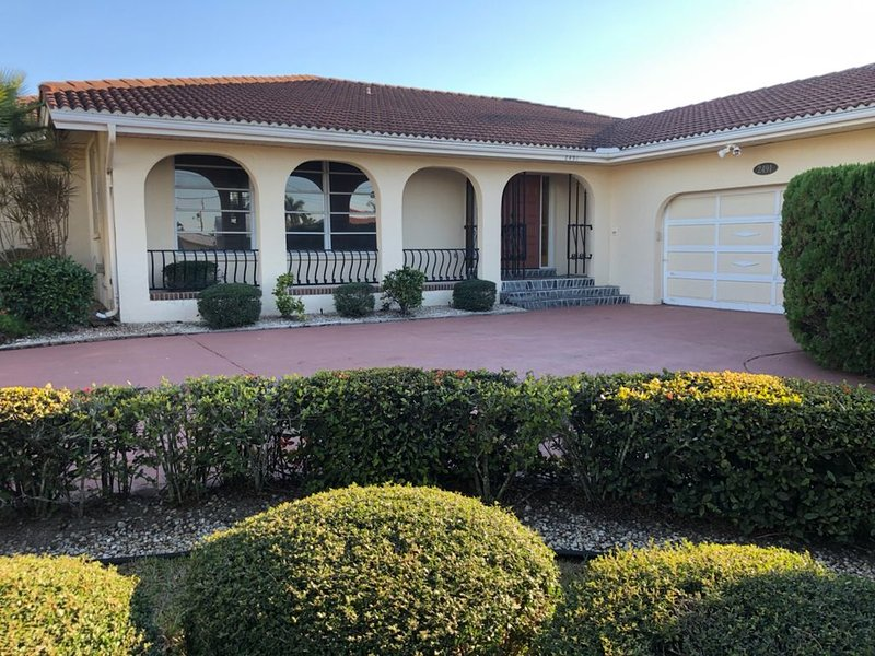 3 Bedrooms/2 Baths Punta Gorda Isles, casa vacanza a Punta Gorda