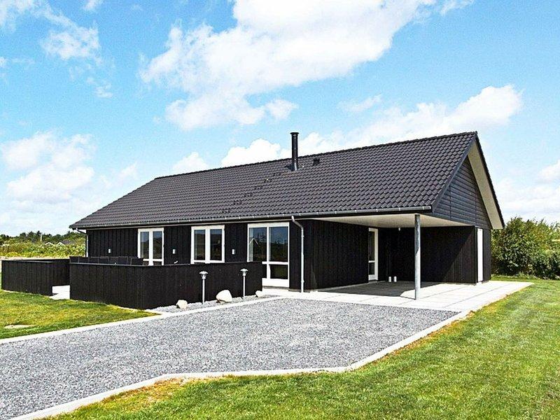 Luxury Holiday Home in Hemmet With Sauna and Whirlpool, Ferienwohnung in Noerre Nebel