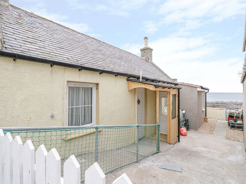 Seatown Cottage, ROSEHEARTY, vacation rental in Mintlaw
