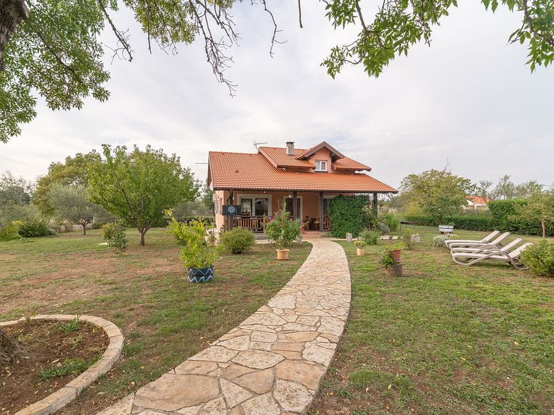Quaint Holiday Home in Briševo with Garden, vacation rental in Policnik