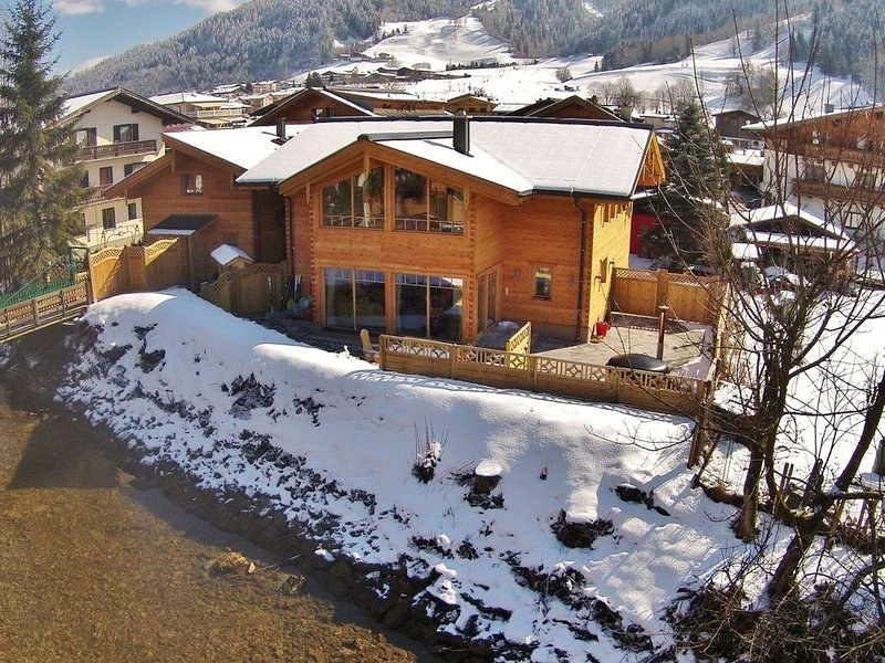 VIntage Chalet with Sauna and Jacuzzi in Kaprun, location de vacances à Kaprun