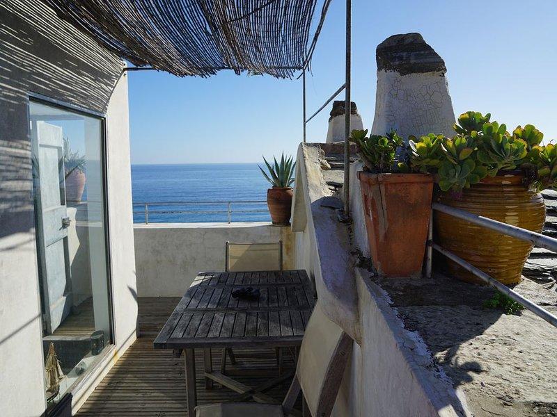 Les pieds dans l'eau à Erbalunga - Cap Corse - 4 à 5 pers. Duplex avec terrasse, holiday rental in Erbalunga