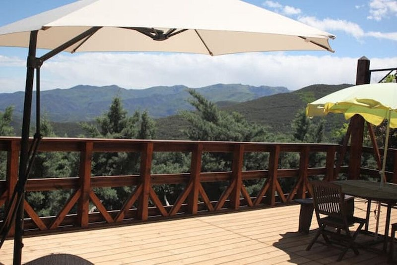 Chalet pleine nature - Vue panoramique, vacation rental in Oms