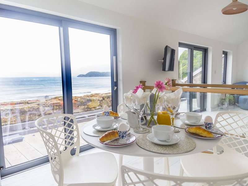 Amazing views over Beach and the sea.2 bedrooms, holiday rental in Carlyon Bay