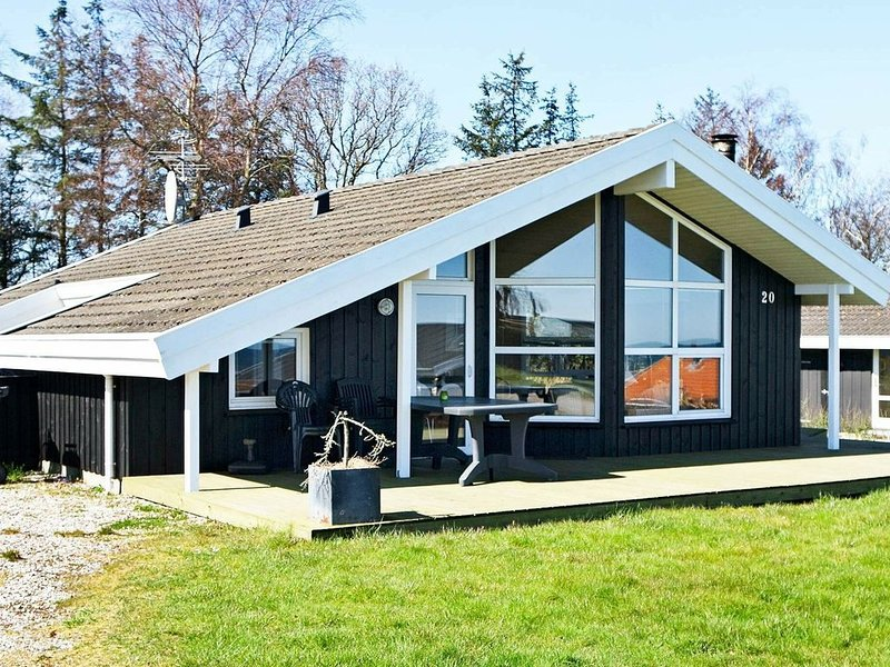 Spacious Holiday Home in Hadsund by the Sea, vacation rental in Rebild Municipality