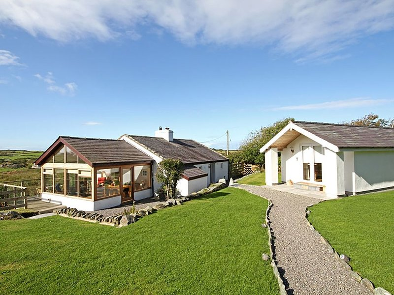 Tymynydd Cottage, RHOSCOLYN, location de vacances à Rhoscolyn