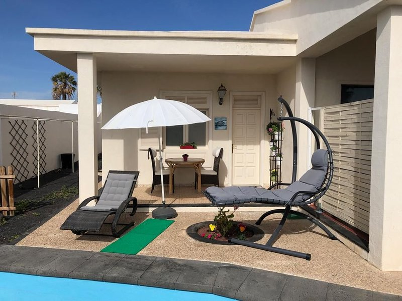 Depandance in Villa with pool /electric bike and breakfast all inclusive, alquiler vacacional en Playa del Cable