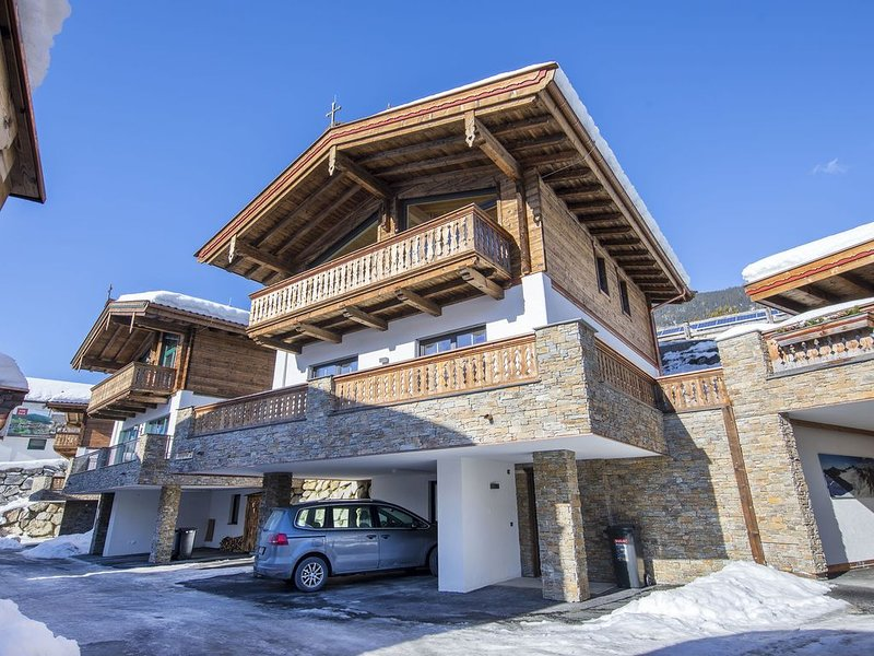 Enchanting Apartment in Saalbach-Hinterglemm near Ski Slopes, vacation rental in Neukirchen am Grossvenediger