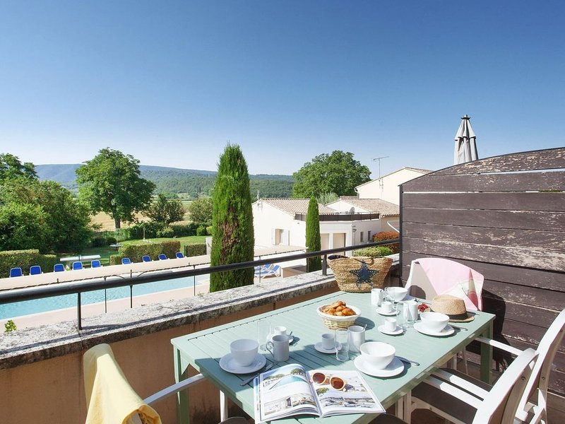 Comfortable apartment with air conditioning in the Luberon, location de vacances à Bonnieux