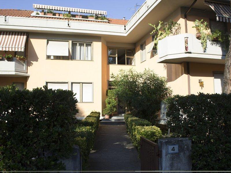 Appartamento in Marina di Massa fra la Versilia e Cinque Terre., vacation rental in Ronchi