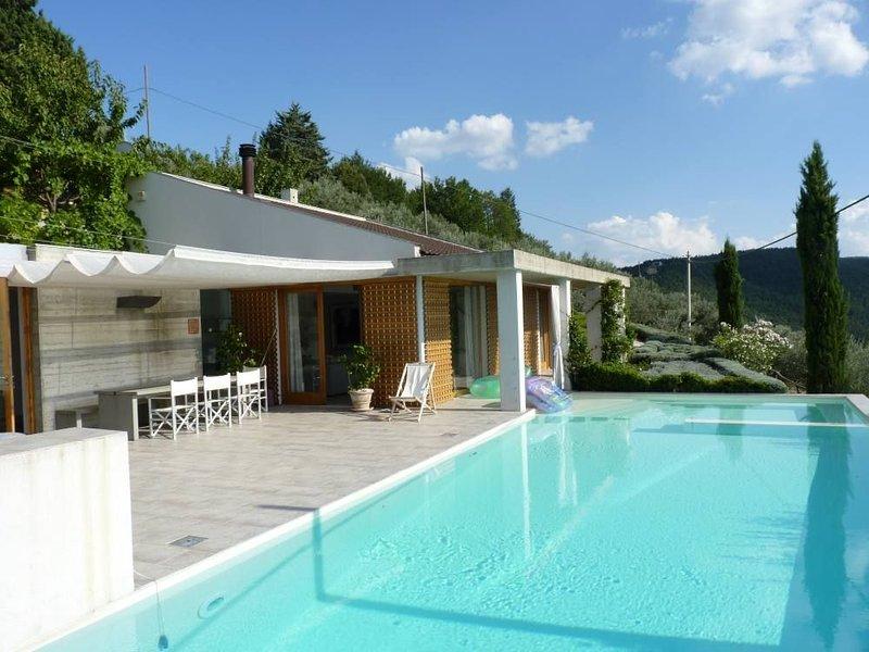 Villa contemporaine d'architecte, piscine privée, vacation rental in Bettona