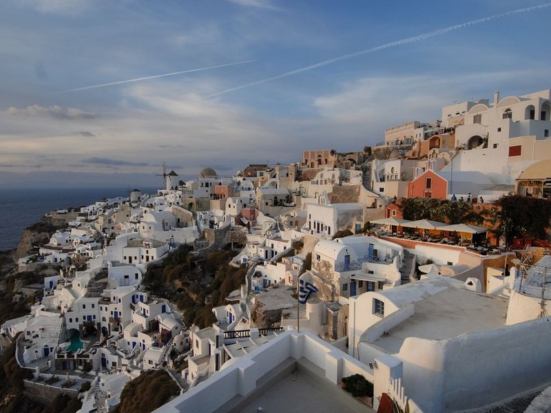Take a 2-day side trip to Santorini by ferry from Heraklion. Do the caldera trip