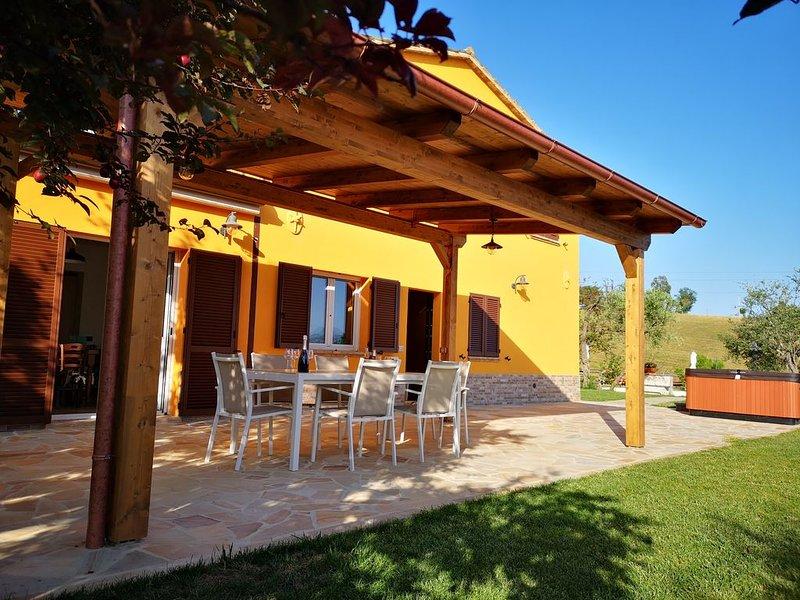 MONTENOVO Country House: Abitazione  RUSTICA sconto 20% dal 01/09 al 31/10, location de vacances à Corinaldo