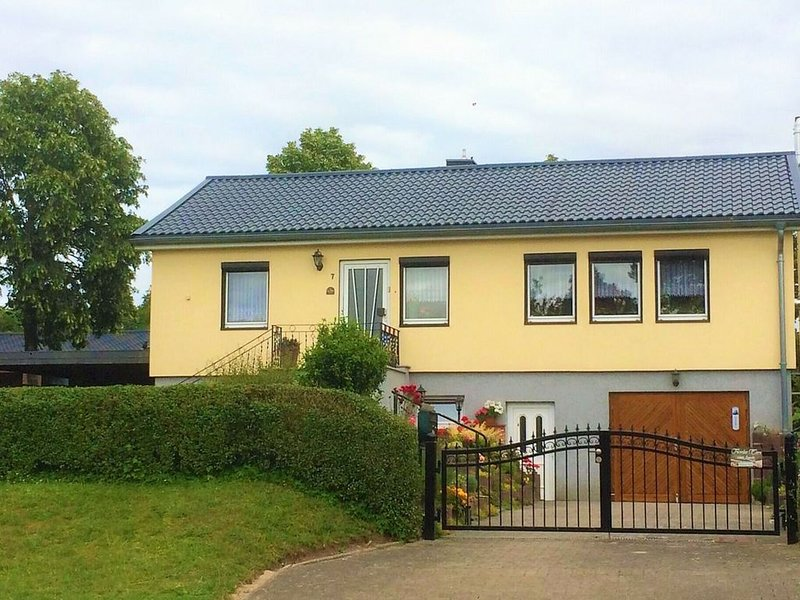 Pleasant Apartment in Damshagen with Terrace and Barbecue, holiday rental in Reppenhagen