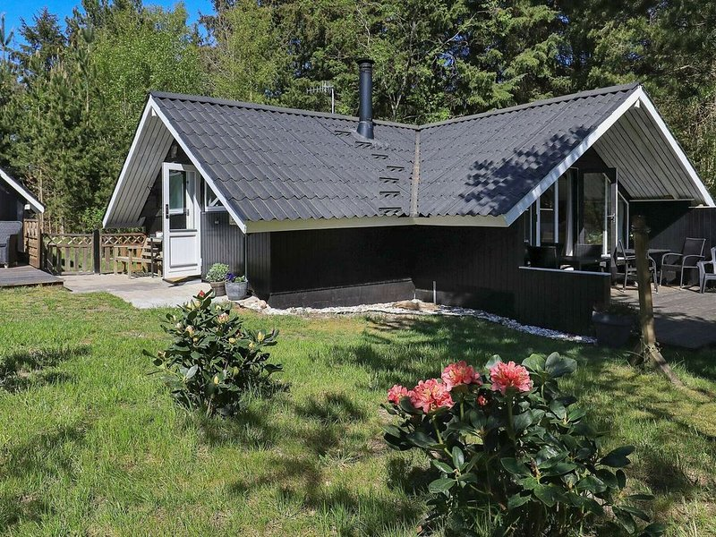 Idyllic Holiday Home in Sæby Amidst Natural Surroundings, vacation rental in Asaa