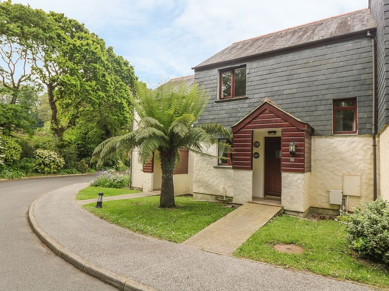 Cuckoo's Cottage, FALMOUTH, holiday rental in Budock Water