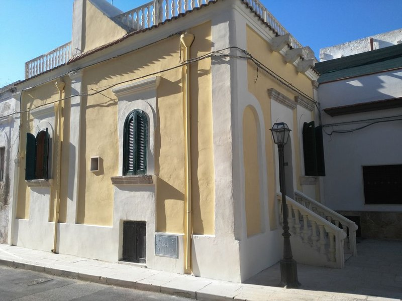 Casa d'epoca nel centro storico, holiday rental in Marina di Pulsano