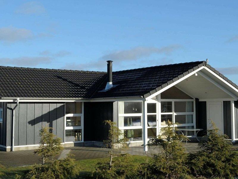 Pleasant Holiday Home in Hemmet with Terrace, Ferienwohnung in Noerre Nebel