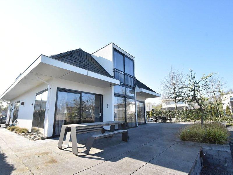 Modern 6-person villa in a quiet spot in the middle of nature. – semesterbostad i Provinsen Flevoland