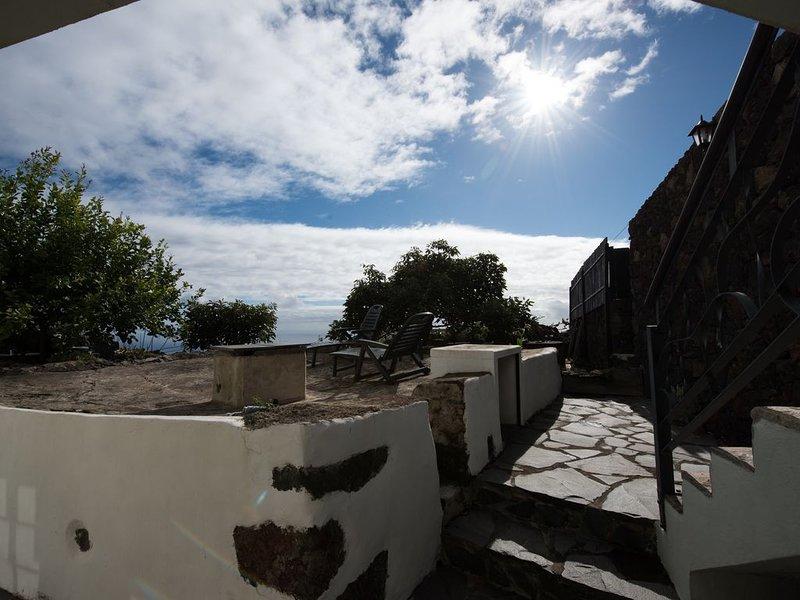 Casa Salazar;  con el mar siempre de frente., vacation rental in La Restinga