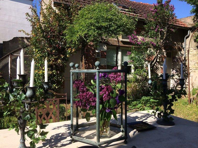 Atelier dans jardin privatif, location de vacances à Joué lès Tours