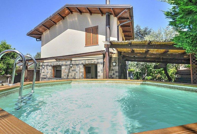 Villa Giovenza, rimborso completo con voucher*: Un'incantevole villa su due pian, holiday rental in Marina di Puolo