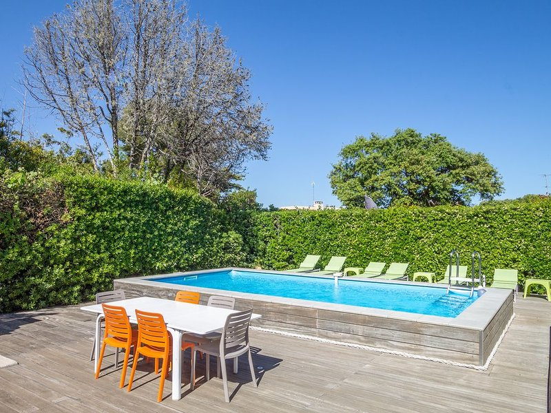 La Ritournelle - Within walking distance of the beach of Cap d'Antibes., holiday rental in Cap d'Antibes