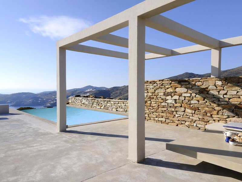 Stemma- Crown of the Agean, holiday rental in Ios