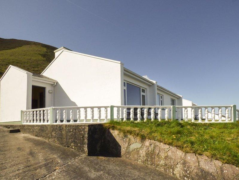 Rossbeigh Beach Cottage No 8, GLENBEIGH, COUNTY KERRY, location de vacances à Glenbeigh