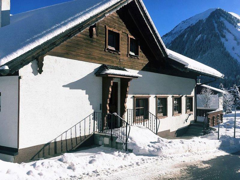 Vintage Holiday Home in Berwang near Ski Area, holiday rental in Wangle