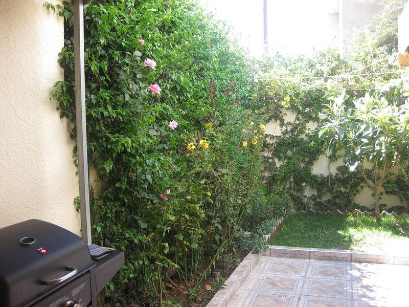 Appartement Sania-M'diq avec jardin, holiday rental in Tanger-Tetouan-Al Hoceïma