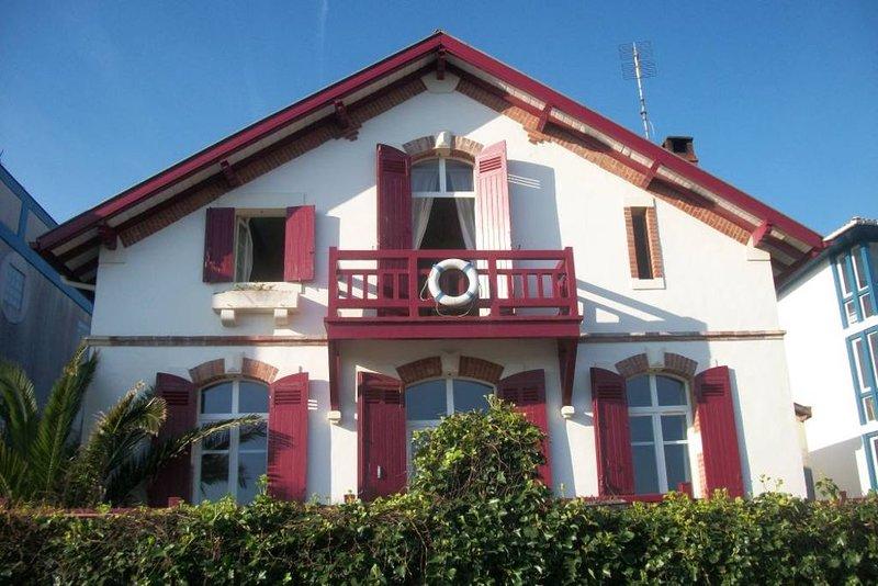 Maison de caractère et de charme familiale, holiday rental in Capbreton