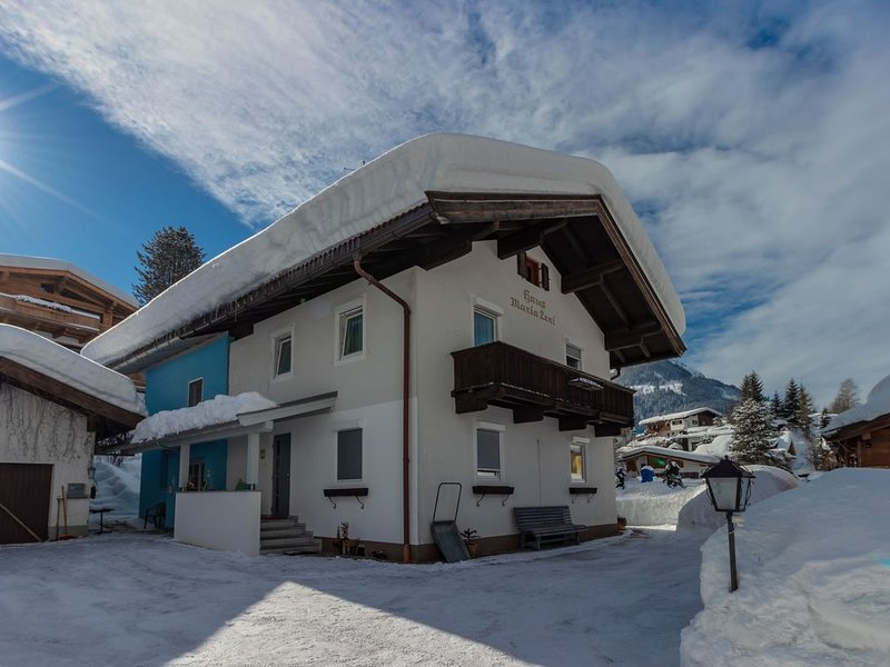 Cozy Apartment in Kirchberg in Tirol with Private Garden, holiday rental in Aschau bei Kirchberg